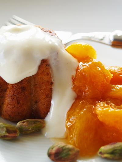 Honey_pistachio_friands_with_yogurt