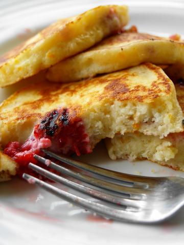 Raspberry_ricotta_pancakes